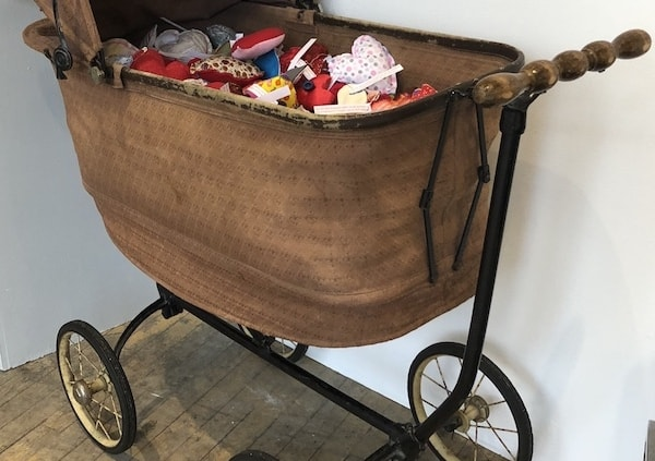 HeArts Baby Carriage